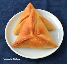 Varada's Kitchen: Fatayer Sabanek (Spinach Pastry)