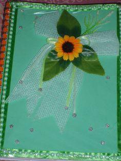 Otro diseño con cintas y flores