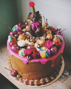 About & Gallery — Cake of Dreams
