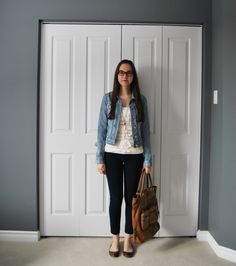 simple outfit for denim jacket