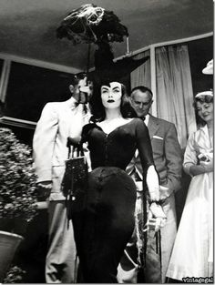 1950s horror movie actress Vampira. So fierce!