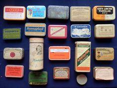 Oude verzameling van 20 blikjes , vnl. medicijndoosjes