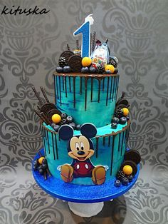 Best Ideas For Cupcakes Decoration Disney Mickey Mouse Cake Toppers Bolo Do Mickey Mouse, Mickey Mouse Cake Topper, Bolo Minnie, Mickey Cakes, Disney Mickey, Disney Cars, Birthday Drip Cake, Toddler Birthday Cakes, Mickey Mouse Birthday Cake