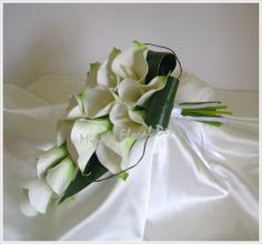 This is an online gallery of silk / artificial wedding bouquets and flower arrangements by Mika's Floral Designs, posting from Brisbane, Australia. Calla Lily Wedding Flowers, Tulip Wedding, Bridal Flowers, Silk Flowers, Bouquet Wedding, Artificial Wedding Bouquets, Pink Chocolate, Hand Bouquet, Buttonholes