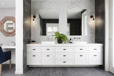 10 Luxe Hamptons Style Bathrooms You Will Love is part of Hampton style bathrooms Creating a HamptonsInspired Bathroom Oasis In the world of interior design, the bathroom has become a central point - Ensuite Bathrooms, Bathroom Renos, Bathroom Renovations, Master Bathroom, Bathroom Ideas, Bathroom With Tile Walls, Restroom Ideas, Bathroom Marble, Narrow Bathroom