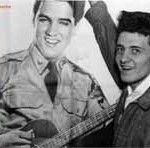 Ein TV-Tipp für Schnellentschlossene: Am Sonntag, 10. März 2013, bringt die ARD in der Sendung ttt - titel thesen temperamente ab 23:05 Uhr eine Reportage über den deutschstämmigen Fotografen Alfed Wertheimer und dessen wundervoll intime Fotos des jungen Elvis Presley aus dem Jahr 1956, als der King noch ein Prinz war. Einschalten lohnt sich, Buchtipps gibt's obendrein! Hier ein kleiner Vorges ...