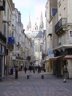 Oorspronkelijk bericht: Angers- France Did some great shopping here --- LOL Monaco, European Vacation, Paris Photos, Travel Goals, France Travel, Study Abroad, Places To Go, Architecture, Amor