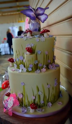 Design Your Own Cake Uk : 1000+ ideas about A Fairy Banquet on Pinterest Fairy ...