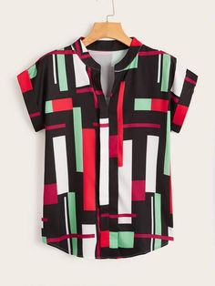 To find out about the Color-block Curved Hem Notched Neck Blouse at SHEIN, part of our latest Blouses ready to shop online today! Camisa Hippie, Character Outfits, Summer Shirts, Shirt Sleeves, Shirt Outfit, Printed Shirts, Colorful Shirts, Casual Shirts, Cool Outfits