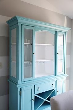 IHeart Organizing Our New To Us Painted Dining Room Hutch I Like The Idea Of Painting A Piece Furniture Bright Colormaybe Oak Cabinets We Have