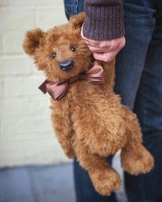 Teddy Bear Names, Old Teddy Bears, Teddy Pictures, Bear Pictures, Sleepy Bear, Teddy Bear Design, Teddy Bear Party, Bear Toy, Soft Sculpture