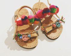 1f863a21639 23 ελκυστικές εικόνες με Παιδικά Σανδάλια | Kid shoes, Kids sandals ...
