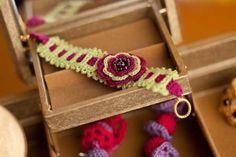 Irish Rose Bracelet - Crochet Me / Tutorial •✿• Teresa Restegui http://www.pinterest.com/teretegui/ •✿•