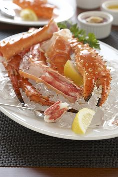 Red Alaskan King Crab Legs. What is there not to love? Reel Club is catering to all those seafood lovers. Don't forget to call when you are planning your next party! #MeetInDuPage