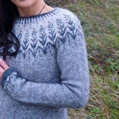 Ravelry: Vintersol pattern by Jennifer Steingass Crochet Crafts, Knit Crochet, Clothing Patterns, Knitting Patterns, Ravelry, Sweater Design, Wool Yarn, Sweater Hoodie, Knitting Projects