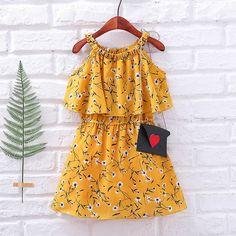 Baby Girl Party Dresses, Little Girl Dresses, Girls Dresses, Girls Fashion Clothes, Baby Girl Fashion, Kids Fashion, Baby Girl Dress Design, Baby Girl Dress Patterns, Baby Frocks Designs