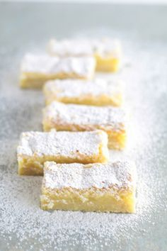 Cookie Recipes, Dessert Recipes, Desserts, Cake Stall, Cookie Brownie Bars, No Bake Bars, Sweets Cake, Lemon Bars, Food Cakes