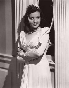 """Linda Darnell in 1939 in """"HOTEL-FOR-WOMEN"""""""