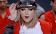 Taylor Swift Hits Number One On The Billboard Hot 100! Shake It Off, Girl!