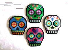Sugar Skull Magnets Day of the Dead Decor Dia de los Muertos Calavera Perler Bead Designs, Hama Beads Design, Hama Beads Patterns, Beading Patterns, Peyote Patterns, Perler Beads, Perler Bead Art, Fuse Beads, Art Minecraft