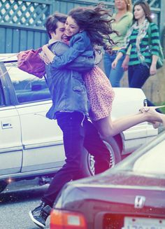 Sarah Hyland & Matt Prokop: Twirling Twosome: Photo Matt Prokop spins Sarah Hyland round and round as they film more scenes for their upcoming movie, Geek Charming, in Vancouver earlier this week. Sarah, is… Sarah Hyland, Geek Charming, Grunge, Hipster, Happy Love, This Is Love, Cute Relationships, Relationship Goals, Hopeless Romantic
