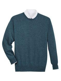 Heading to the Scottish Highlands?Peal cashmere sweater in blue was the choice of James Bond in the new Skyfall movie. Blue Sweaters, Cashmere Sweaters, James Bond Skyfall, Dressed To Kill, Fashion Lookbook, Knitwear, Autumn Fashion, Men Sweater, Mens Fashion