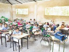 Alumnos en Moca reciben clases en locales prestados; reclaman construcción liceo - Cachicha.com