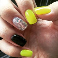 Summer Nails. Black and yellow. Neon nails. Glitter nail. Gel nails. Accent nail