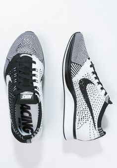 10a0f937781 FLYKNIT RACER - Chaussures de running compétition - black white    ZALANDO.FR 🛒. Nike Shoes ...