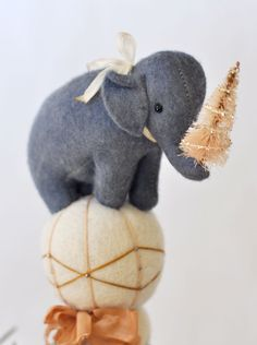 A darling elephant from the seriously talented Jennifer Murphy. Check out her work and be amazed.