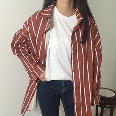 Oversize shirt, white t-shirt - LadyStyle Fall Outfits, Casual Outfits, Cute Outfits, Fashion Outfits, Ulzzang Fashion, Korean Fashion, Look Street Style, Camisa Formal, Oversized Shirt