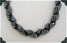 how make a Dutch Spiral Necklace.#Seed #Bead #Tutorials