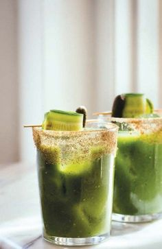 GREEN BAY BLOODY MARY RECIPE - 1½ oz. vodka 4 oz. Green Bay Bloody Blend ½ oz. fresh lemon juice Celery salt Tools: shaker, strainer Glass: pint Garnish: cornichon, cucumber slice or ribbon  Coat half the rim of a pint glass in celery salt. In an ice-filled shaker, combine all ingredients and roll back and forth three times. Strain over fresh ice into the salt-rimmed glass. Garnish.