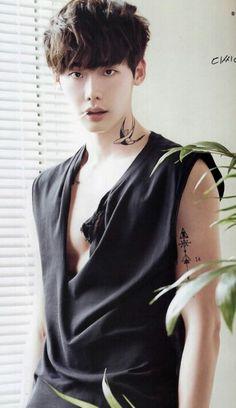 Lee jong suk ve dövmeleru Lee Jong Suk Hot, Lee Jong Suk Funny, Lee Jong Suk Shirtless, Asian Actors, Korean Actors, Lee Jong Suk Wallpaper, Kang Chul, Hot Korean Guys, Lee Young