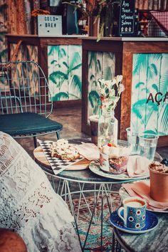 beach restaurant Dreamer-Acai-Juice-Matcha-Miami-B - Cuban Restaurant, Restaurant Concept, Restaurant Guide, Coffee Shop Interior Design, Cafe Design, Cafe Interior, Cuban Recipes, Italian Recipes, Mississippi