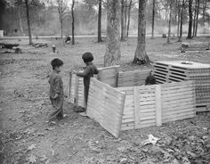 Japanese-American children playing at Jerome War Relocation Center, Arkansas, 20 Nov 1942 (US National Archives) History Online, Local History, Research Images, Inspirational Quotes For Kids, American Children, Japanese American, National Archives, Back In The Day, World War Two