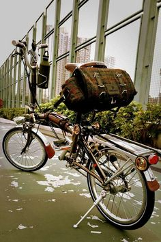 Bike Friday, Velo Vintage, Bicycle Brands, Folding Bicycle, Urban Bike, Touring Bike, Brompton, Bike Style, Mini Bike