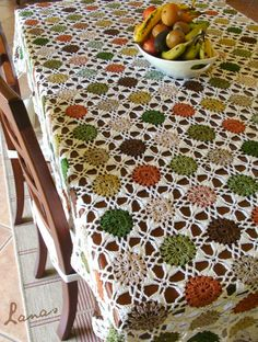 Lanas de Ana has finished making a beautiful #crochet Motif Tablecloth