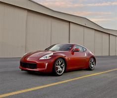 Nissan officially released the new 2013 Nissan 370Z Facelift with more sporty and dynamic look from Nismo. Nismo is car tuning division from Nissan Motor Company