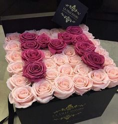 ellas first birthday Beautiful Flower Arrangements, Floral Arrangements, Beautiful Flowers, Luxury Flowers, Diy Flowers, Birthday Decorations At Home, Paper Flower Art, Gift Wraping, Box Roses