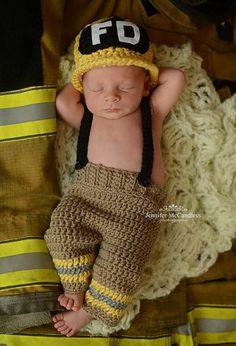 Items similar to Crochet Newborn Fireman Set, baby firefighter outfit, fireman set, newborn fireman hat, fireman newborn prop on Etsy Baby Set, Baby Kostüm, Baby Kind, Baby Love, Baby Girls, Crochet Bebe, Crochet For Kids, Knit Crochet, Baby Outfits