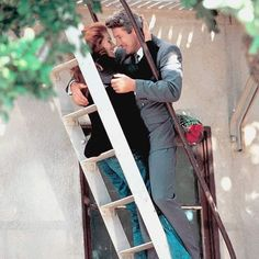 Richard Gere and Julia Roberts in Pretty Woman One oft favorites Richard Gere, Romantic Movie Scenes, Romantic Movies, Eric Roberts, Dirty Dancing, Pretty Woman Film, Pretty Woman Quotes, Movies Showing, Movies And Tv Shows