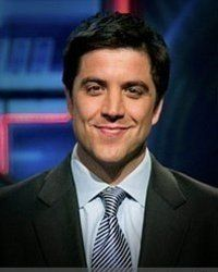 I love Josh Elliott from GMA. He's absolutely adorable.