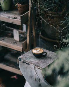 This girl runs on strong coffee and powerful words Coffee Shot, Coffee Cafe, Coffee Break, Coffee Drinks, Aeropress Coffee, Fresh Roasted Coffee, How To Make Coffee, Making Coffee