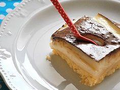 Time for dessert! Kok:Greek dessert w/ cream and chocolate sause. Greek Sweets, Greek Desserts, Party Desserts, Summer Desserts, Greek Recipes, Pureed Food Recipes, Sweets Recipes, Baking Recipes, Cake Recipes