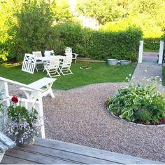 Terraced Landscaping, Outdoor Landscaping, Front Yard Landscaping, Outdoor Gardens, Patio Edging, Pea Gravel Patio, Garden Steps, Side Garden, Scandinavian Garden