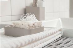 Zachte handdoeken en leuke accessoires verkrijgbaar in onze showroom in Edam.