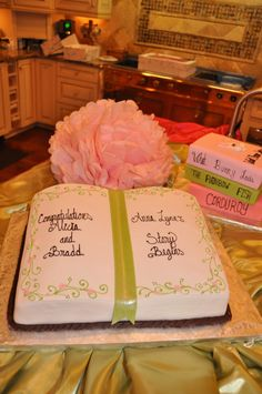 Fruit rol up for ribbon Book-themed baby shower - love this book cake! Storybook Party, Storybook Baby Shower, Baby Shower Cakes, Baby Shower Themes, Shower Ideas, Shower Baby, Bridal Shower, Open Book Cakes, Bible Cake