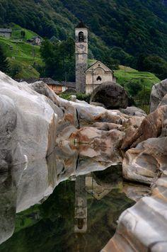 Kirche im Versascatal... von Dirk Trademann