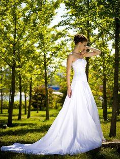 Strapless A-line / Princess Wedding Dress with Removable Shrug